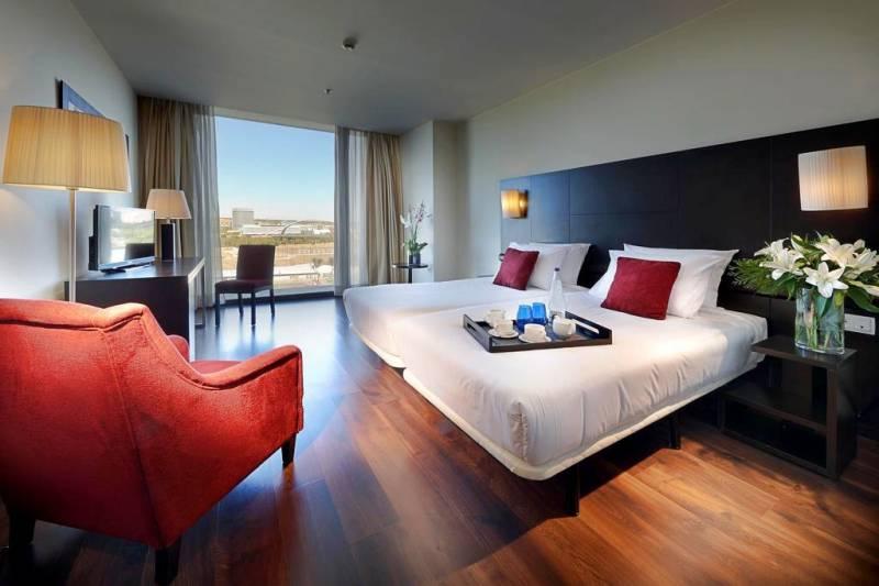 Eu016c for Hotel habitacion familiar zaragoza