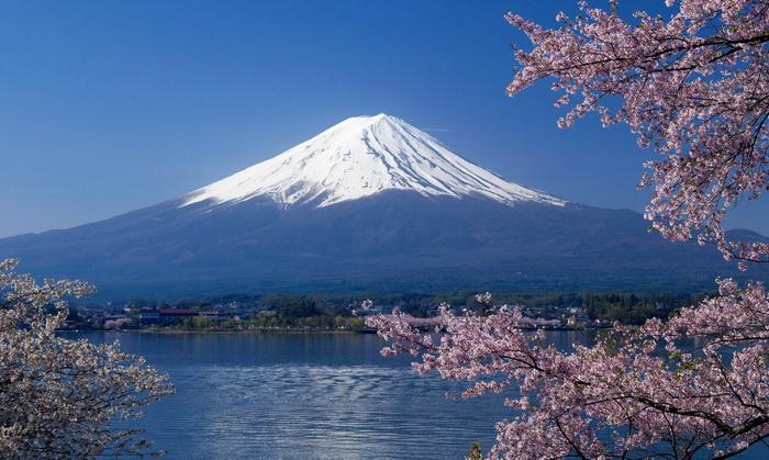 10 อันดับสถานที่ท่องเที่ยวที่น่าเที่ยวที่สุดในประเทศญี่ปุ่น