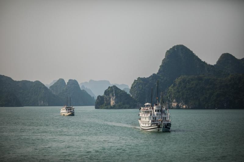 ล่องเรืออ่าวฮาลองเบย์