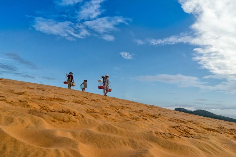 ตะลุยทะเลทรายขาวและทะเลทรายแดง