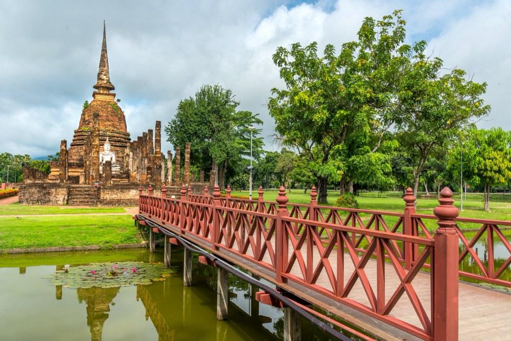 วัดสระศรี (Wat Sa Si)