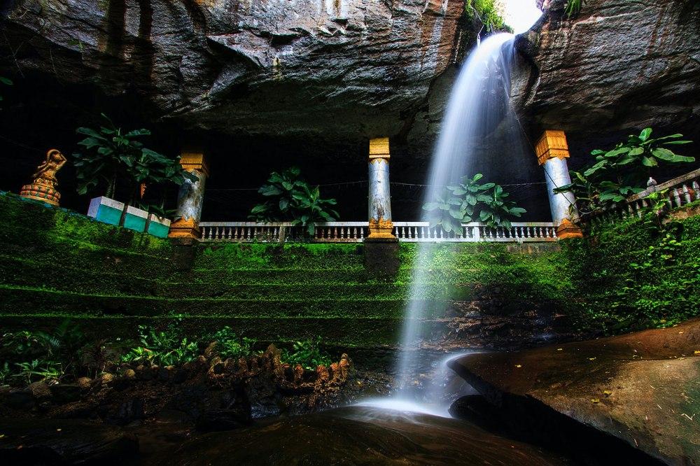 วัดถ้ำเหวสินธุ์ชัย (Wat Tham Heo Sin Chai)